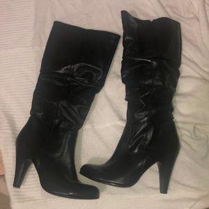 Tall black boots, size 40